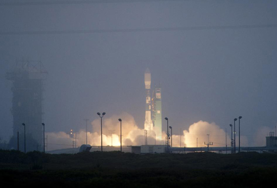 A Delta II rocket carrying the international Aquarius/SAC-D observatory launches from Vandenberg Air Force Base in California, on June 10, 2011. Credit: NASA/Bill Ingalls.