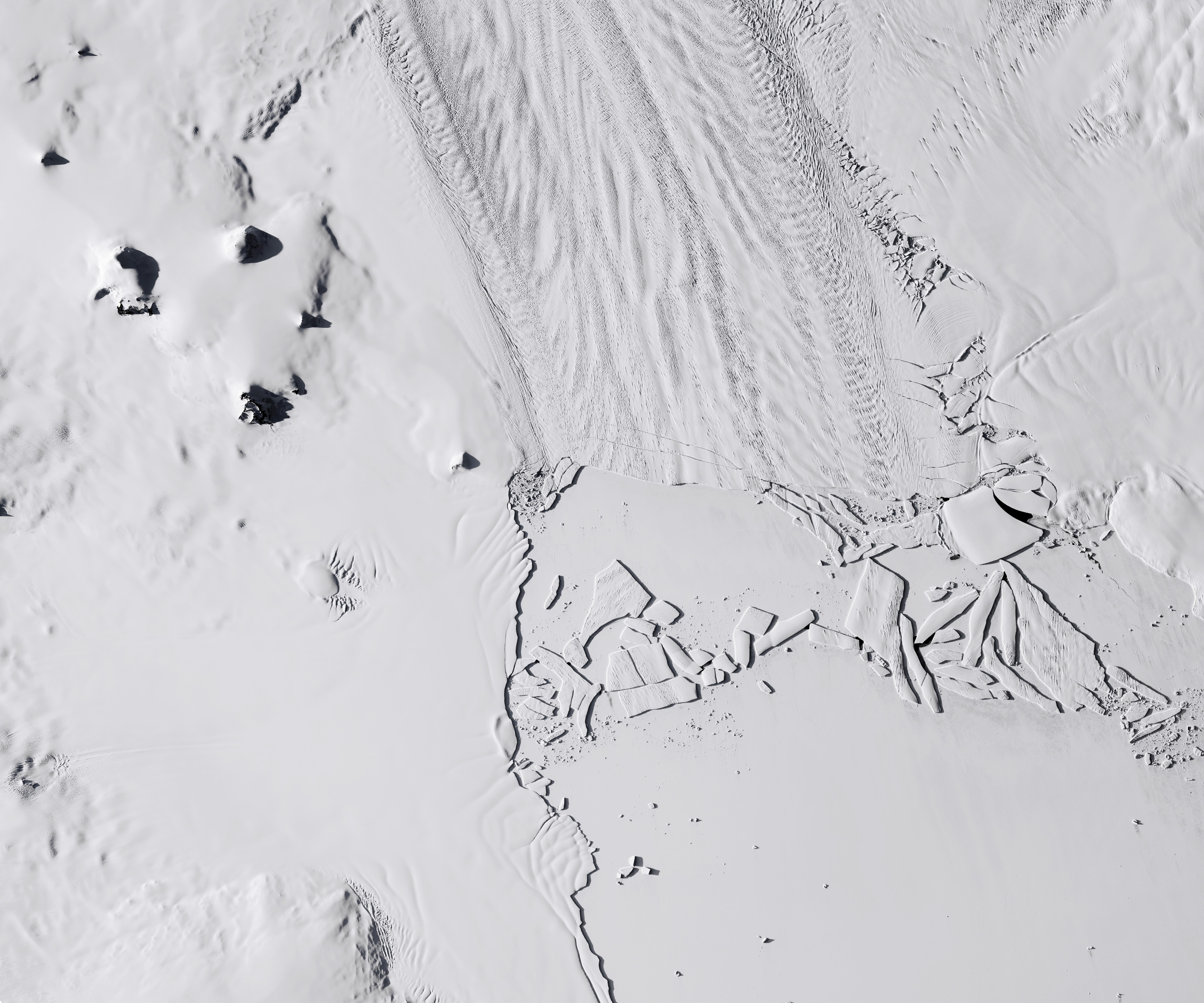 Pine Island Glacier before calving iceberg