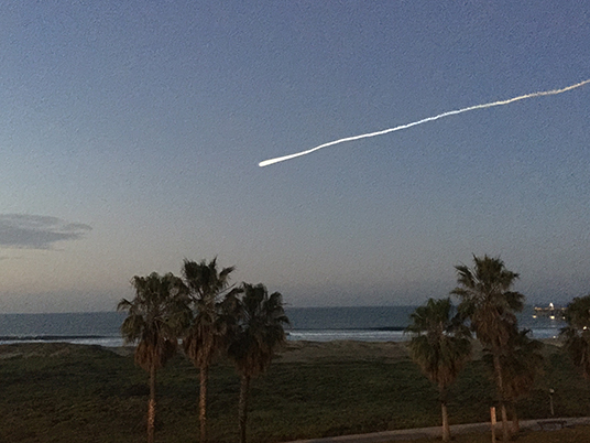 The Delta II rocket carrying SMAP into space, as seen from Port Hueneme, Ventura. Credit: Jim Hoffman