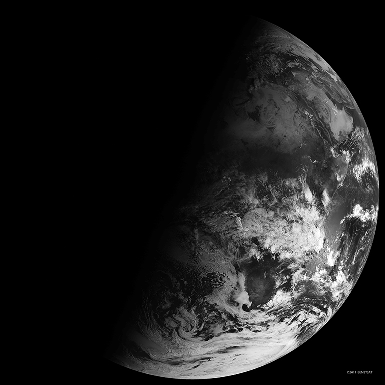 The winter solstice as seen from the Spinning Enhanced Visible and Infrared Imager (SEVIRI) on EUMETSAT's Meteosat-9. NASA images and animation by Robert Simmon.