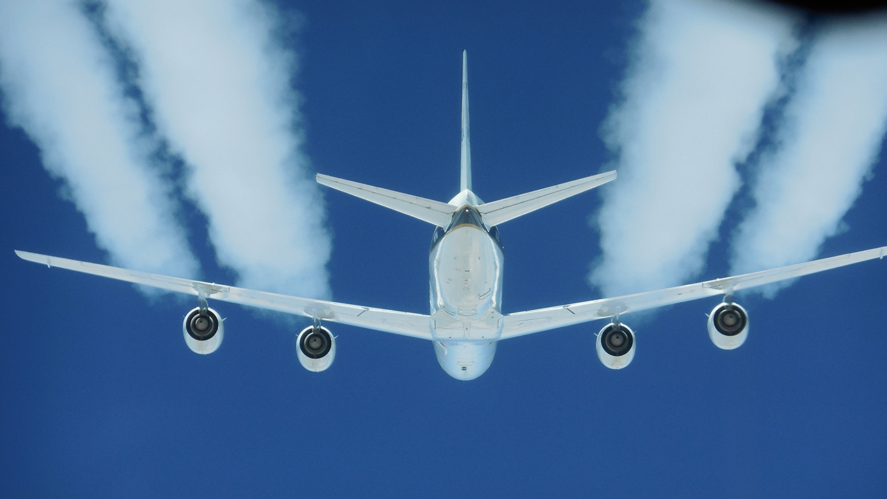 NASA test: Jet biofuel may reduce climate-warming clouds